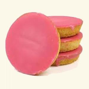 Insecten eten via een roze koek