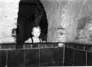 De kelder onder het voorhuis van het ouderlijk huis