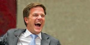 Mark Rutte keihard lachend