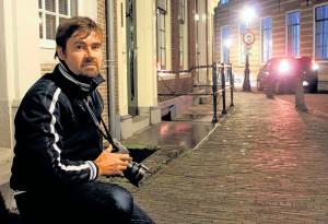 Merijn van der Vliet aan het werk met Donker Utrecht