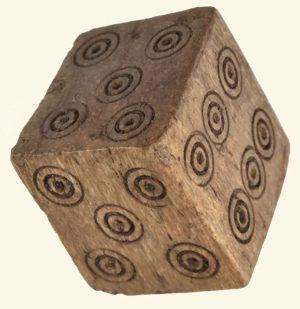 vals dobbelen met 600 jaar oude dobbelstenen