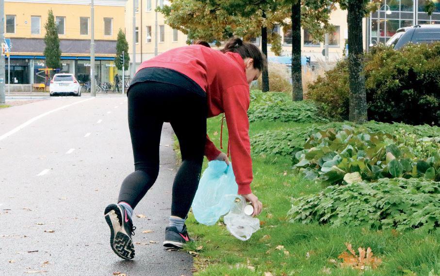 Plogga afvallen terwijl je afval verzamelt