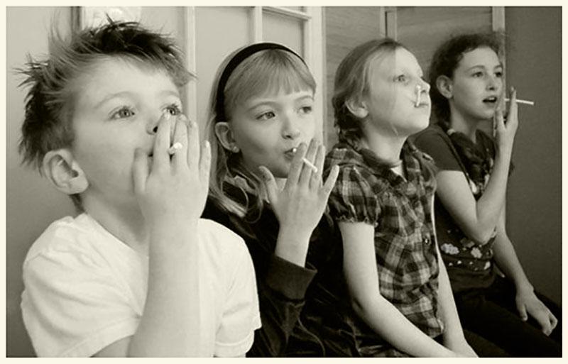 kinderen roken chocolade sigaretten